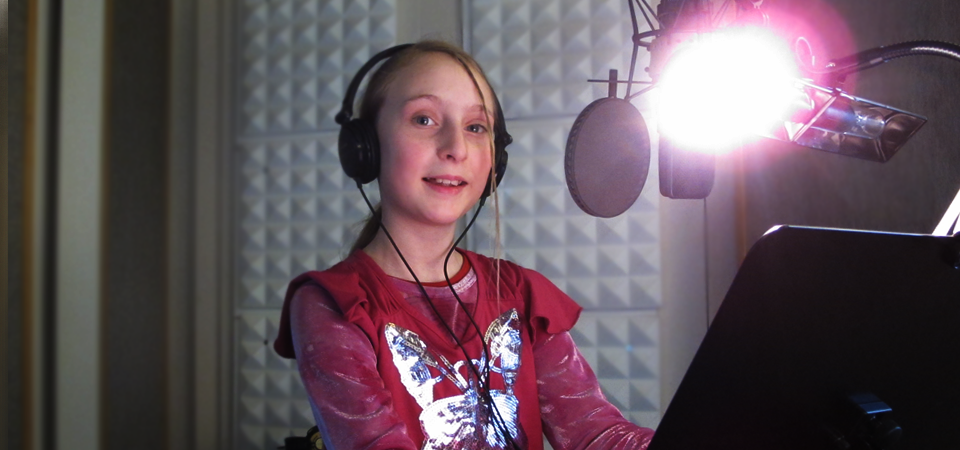 The girl who covered the voice of the video